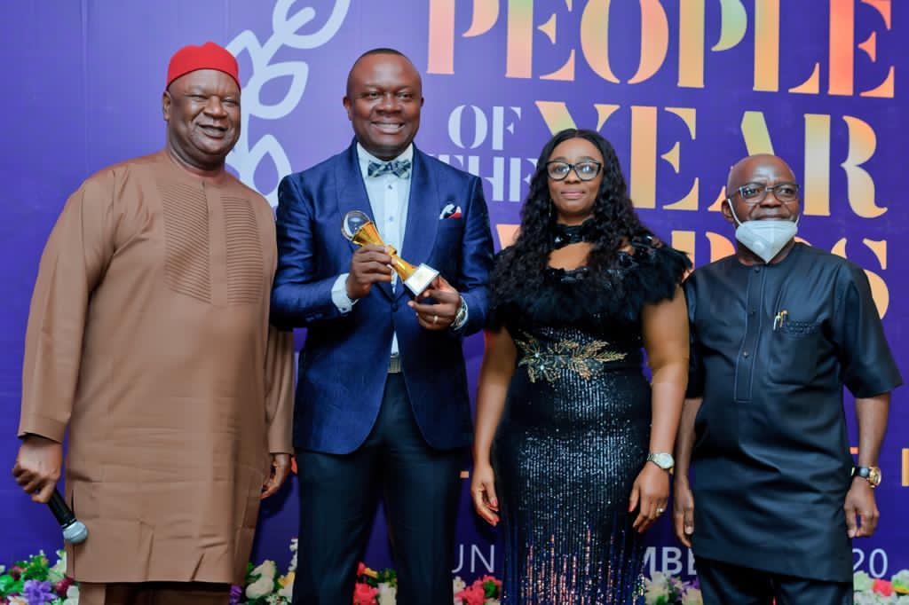 You are currently viewing Hon.Valentine Ozigbo, Bags People Of The Year Awards At Prestigious Business Hallmark Annual Honours