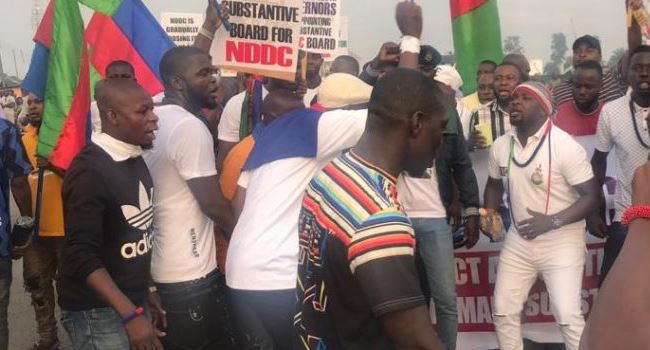 You are currently viewing Ijaw Youths Council Members In Protest, Shuts NNDC and Blocks East- West Road