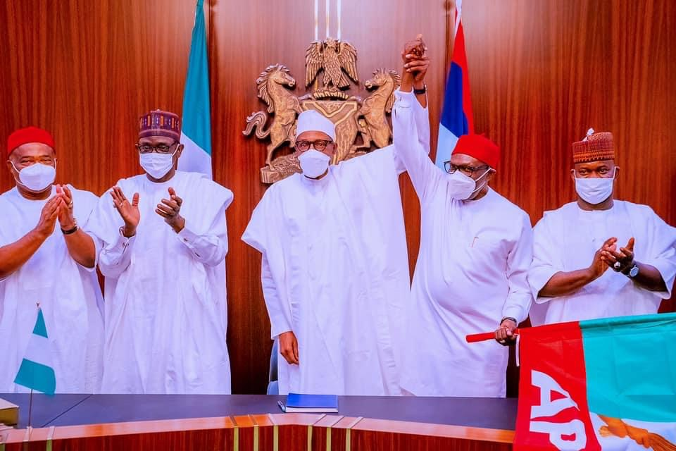 You are currently viewing Anambra 2021: Buhari presents flag to APC candidate Andy Ubah despite his rejection by stakeholders