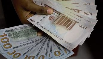 You are currently viewing Naira weakens to 532/dollar despite rising forex reserves